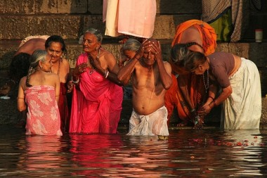 Bathers1 e1272568982440 Death and Dying in Varanasi