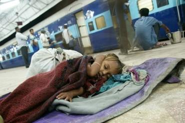 Station e1271132988402 Farewell, India