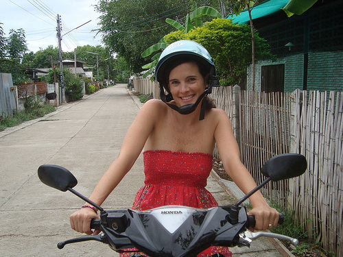 A futile attempt at driving a moped