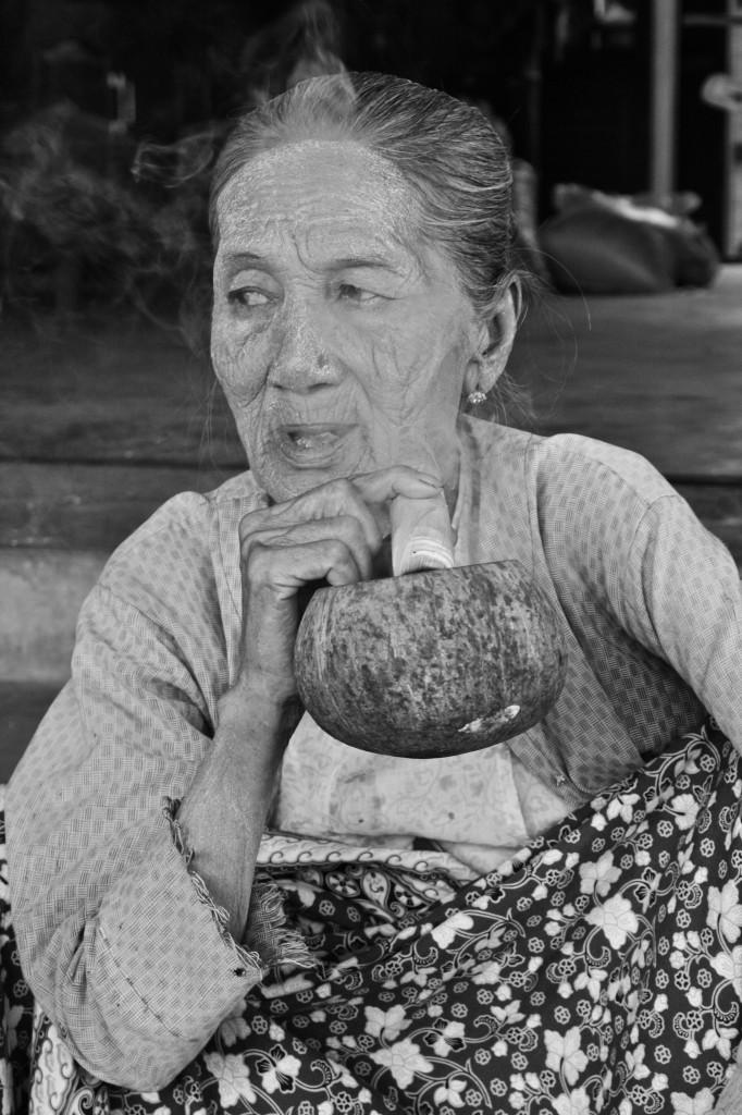 Cheroot, Burmese Cigar | Bagan, Burma